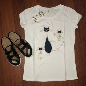 Tops - White Embroidery cat t-shirt
